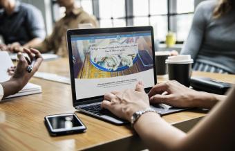 La société Huîtres Joguet a confié son projet de site Web & E-Commerce à Ozanges.